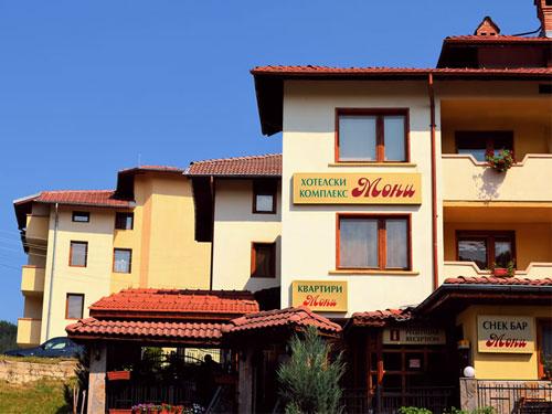 Хотел Мони